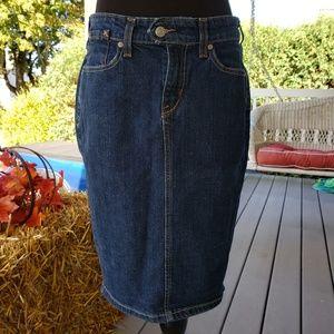 Levi's denim jean skirt size 8